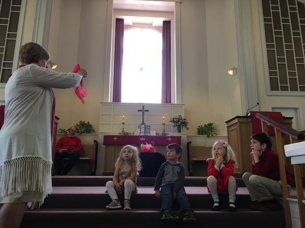 Pastor Nancy talking about Pentecost for Children's Church